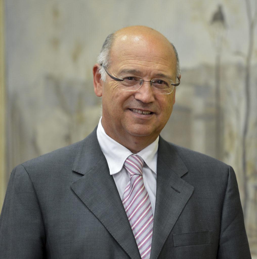 Dr. Ángel Gil Hernández